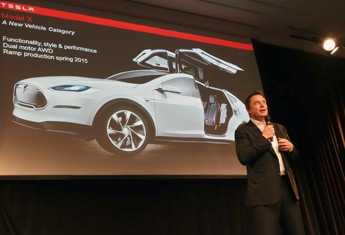 Tesla Motors asegura que su todoterreno Model X llegará en verano
