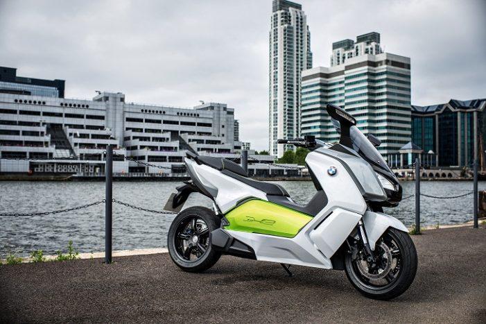 Alphabet entrega la primera flota de motos eléctricas del mundo