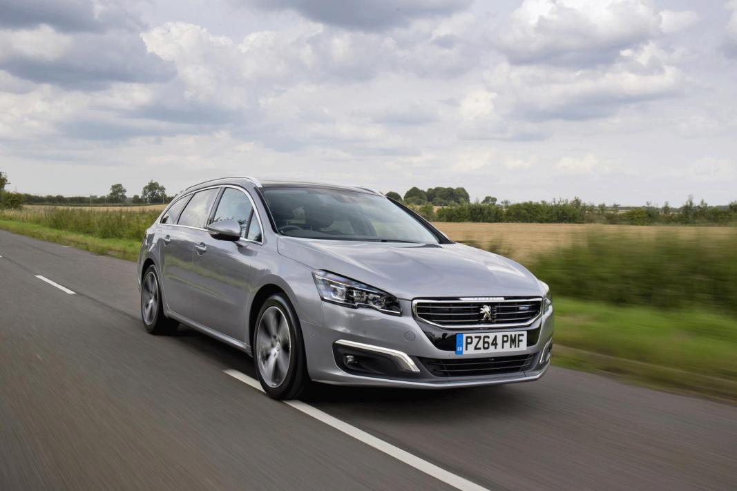 Los turismos de PSA Peugeot Citroën no dan con la tecla del renting