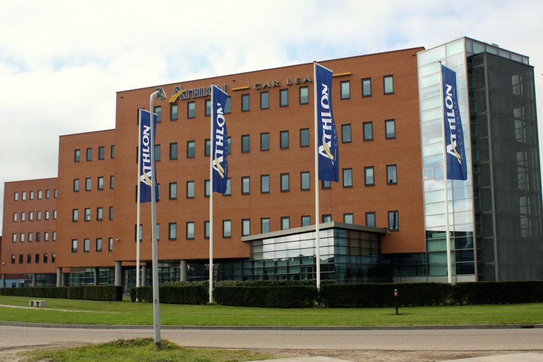 La financiera de Daimler usará el nombre Athlon en el negocio de flotas