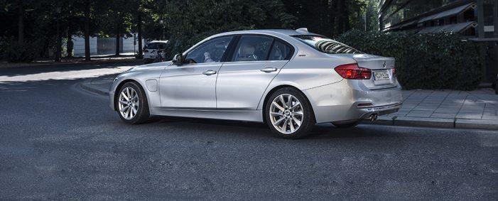 El BMW Serie 3 destila clase y buenas aptitudes: téngalo en cuenta
