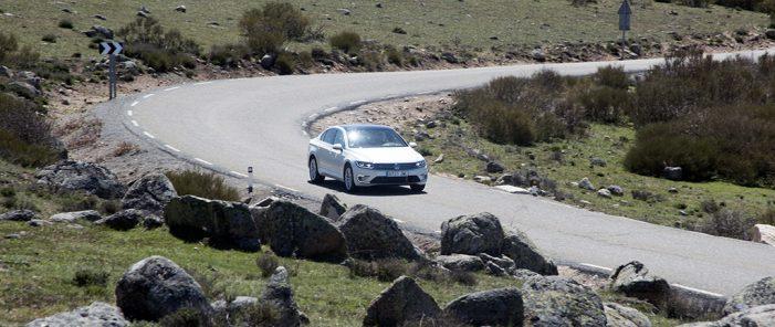 El 52% de los españoles reconoce superar los límites de velocidad