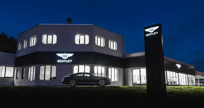 Bentley inaugura una nueva sala de exposición en Lausana