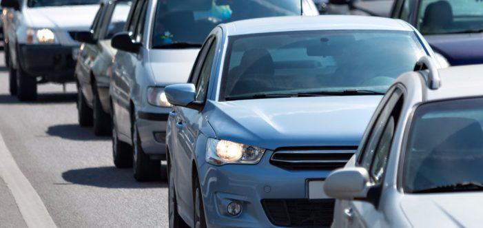 Los vehículos asegurados crecen un 2,45% en 2016, según FIVA