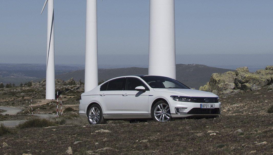 Volkswagen lideró el mercado de turismos en renting y Renault el de comerciales en 2016