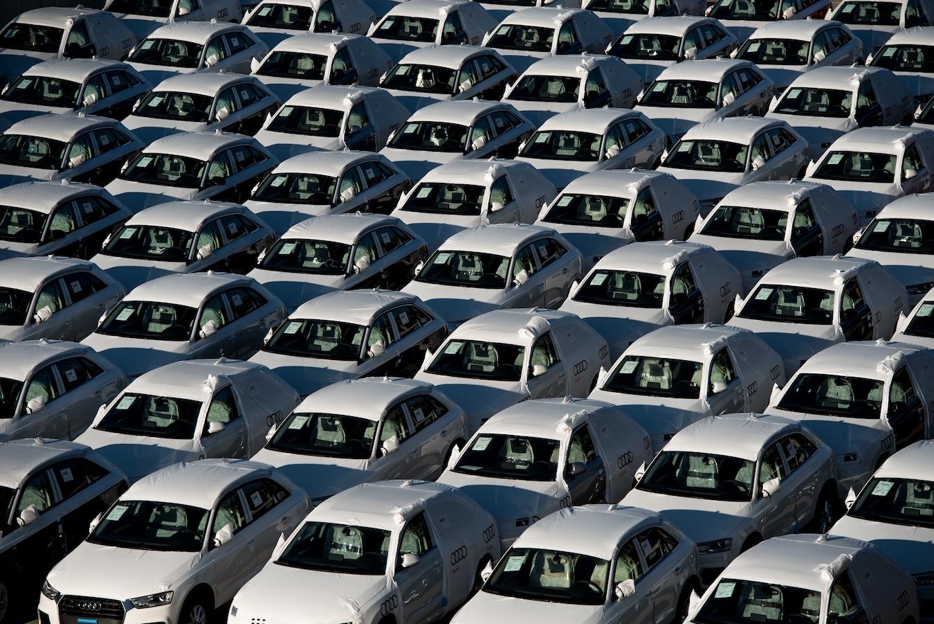 Una campa de coches de renting, preparados para ser entregados. // FOTOGRAFÍA: FLEET PEOPLE