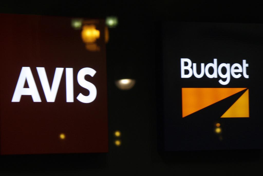 Logo de Avis y Budget en un establecimiento de Berlín (Alemania), en 2014. Fotografía: 360B/Shutterstock