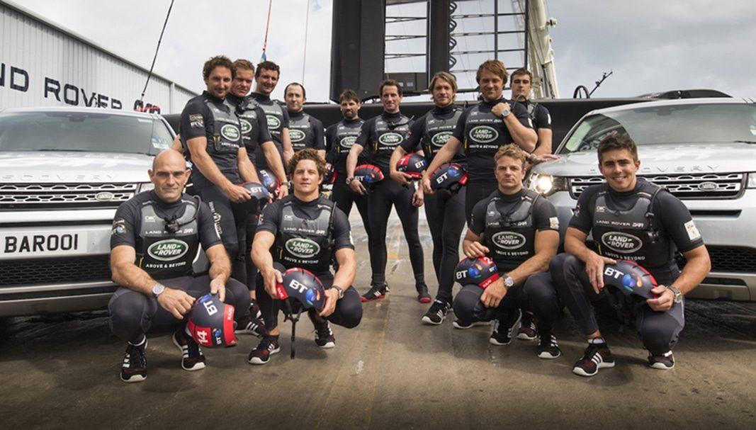 Land Rover BAR presenta su nueva embarcación de competición