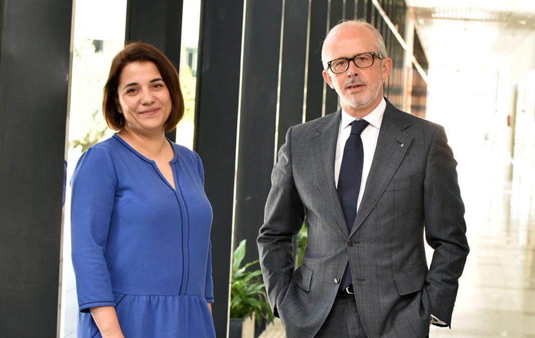 Esta es la nueva estrategia de Renault para captar a las pymes. Y explican cómo Carlos Salas y Ana Gema Ortega