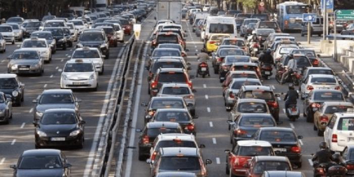 El 83% de los españoles dejarían el coche por las alertas de contaminación, según Direct Seguros