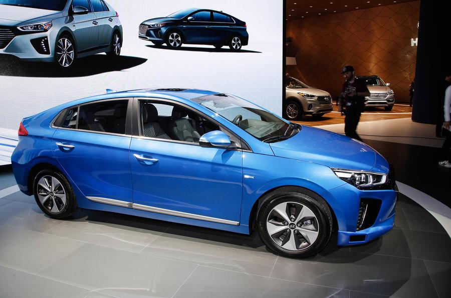 Hyundai Ioniq autonomus drive.