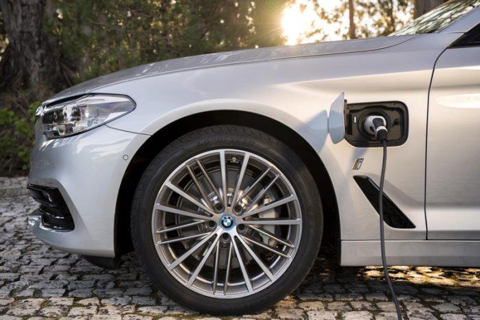 El nuevo híbrido enchufable BMW 530e iPerformance, desde 60.500 euros