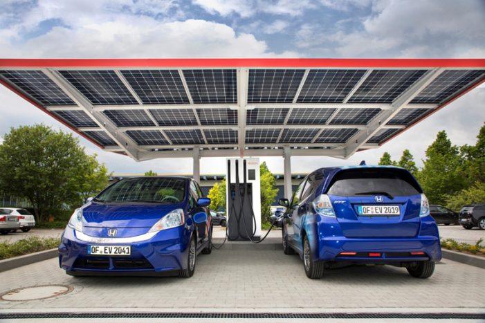 Honda R&D pone en marcha la estación de carga pública para coches eléctricos más avanzada de Europa