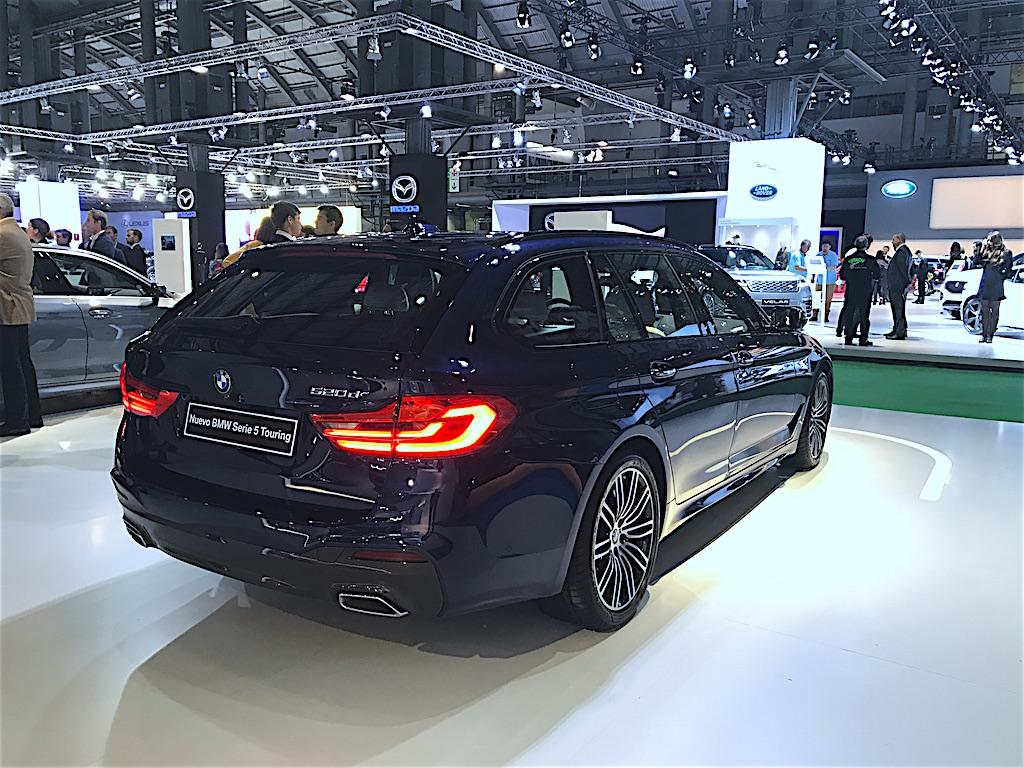 la nueva Serie 5 de BMW, una berlinam uy enfocada en el mercado de flotas y corporativo, en el stand de la marca bávara, en Automobile Barcelona 2017. // FOTOGRAFÍA: FLEET PEOPLE