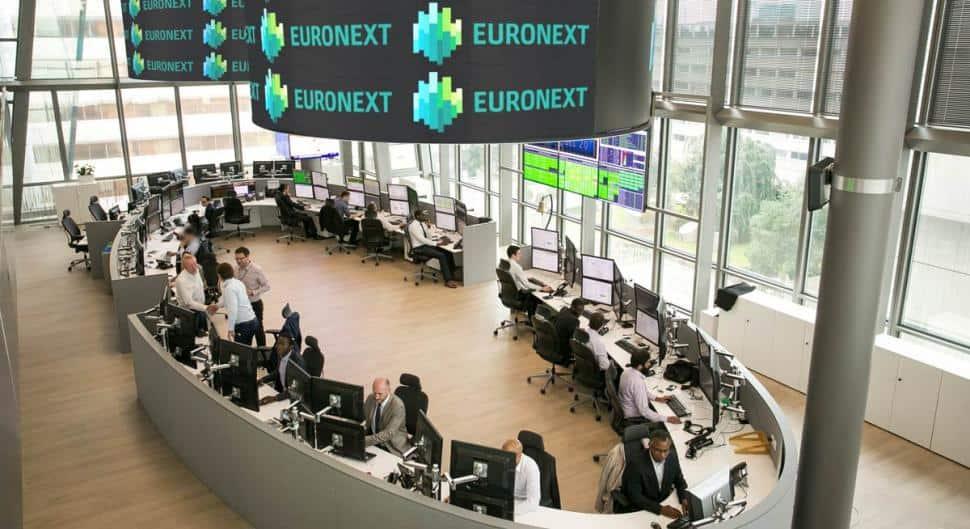 Una sala del edificio de la antigua Bolsa de París, denominada desde el año 2000 Euronext Paris.