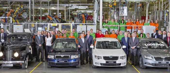 Skoda produce un millón de Superb en la fábrica de Kvasiny
