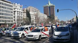 Manifestación contra Uber y Cabify del colectivo del taxis en Madrid, en una imagen de archivo.