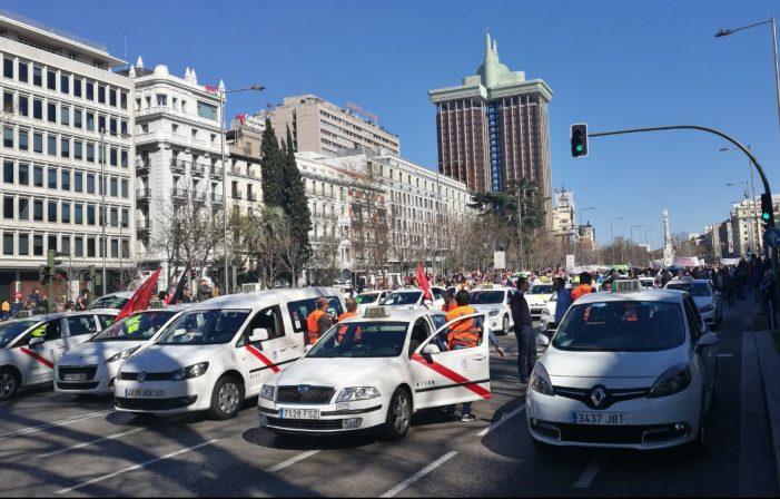 Madrid aprueba que los taxis circulen con coches de más de 10 años
