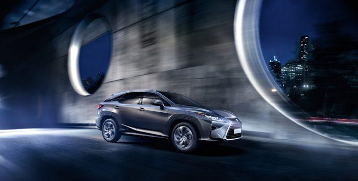 Lexus configura el RX450H para empresas
