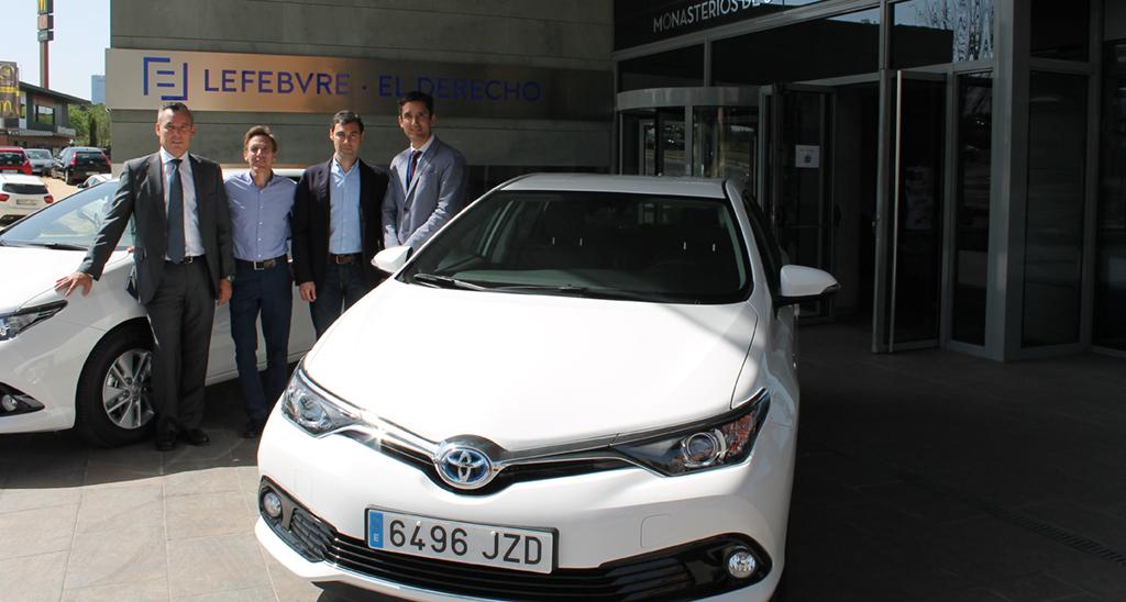Toyota entrega una flota de 11 Auris hybrid a Lefebvre-El Derecho