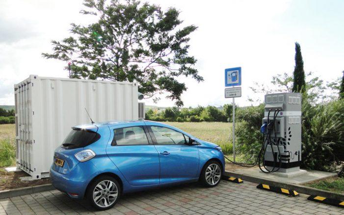Renault instala dos puntos de recarga rápida en Alemania y Bélgica