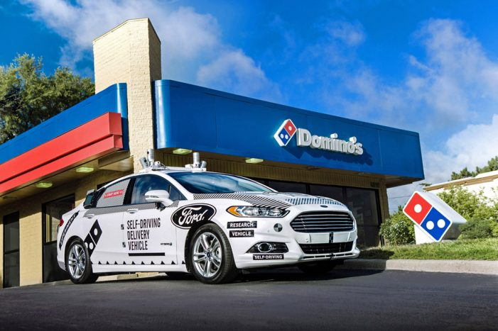 Ford y Domino's Pizza estudian el reparto con vehículos autónomos