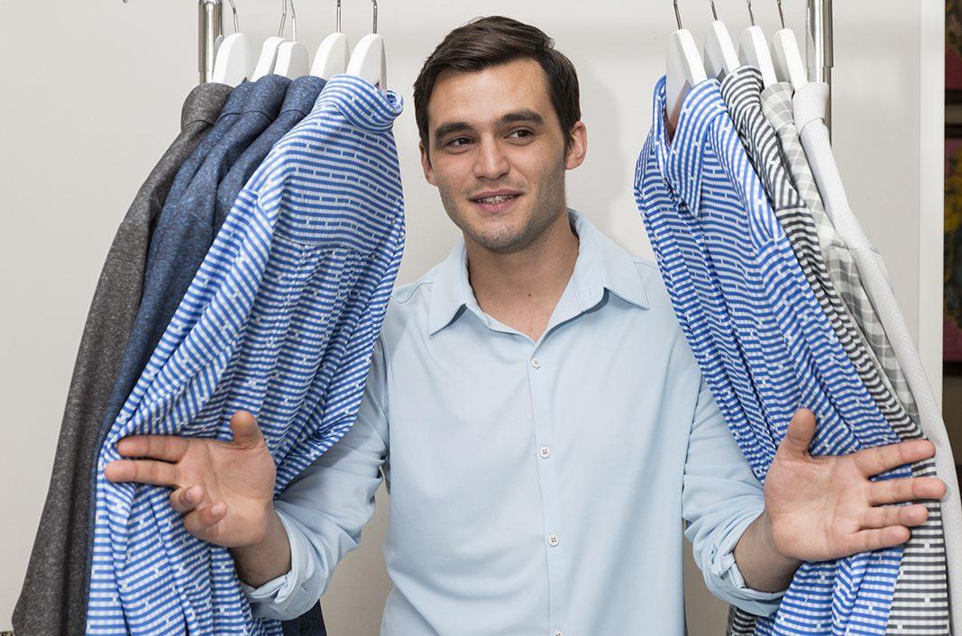 Este empresario de Sepiia ha inventado la camisa total