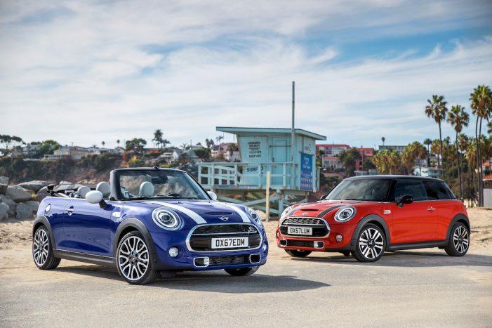 MINI acentúa el carácter y el atractivo de los modelos de 3 y 5 puertas y el Cabrio