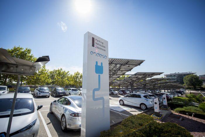 Endesa cuenta con 535 empleados con coche eléctrico particular