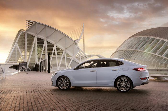 Hyundai incorpora al mercado el nuevo modelo i30 Fastback, un coupe compacto de cinco puertas