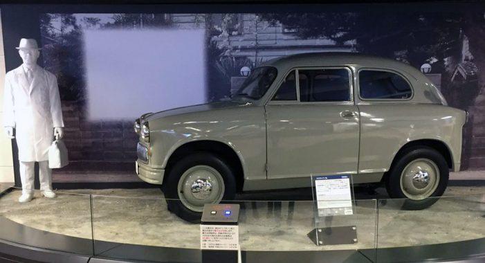Suzulight, el primer automóvil construido por Suzuki
