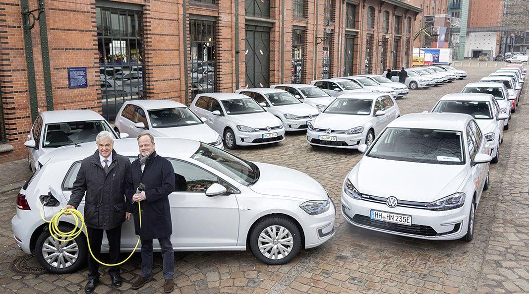 El Grupo Volkswagen entrega 50 unidades del e-Golf en Hamburgo
