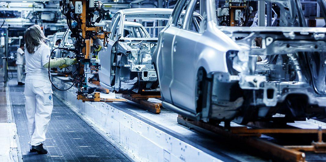 El empleo en el sector de la automoción crecerá más de un 5% en 2018