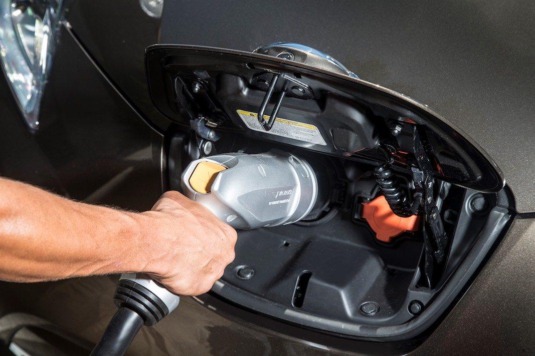 La intención de compra de híbridos y eléctricos supera a los diesel y se aproxima a la gasolina
