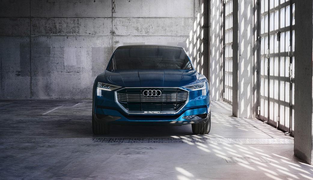 1920x1080_170912_Audi_etron_quattro_concept_Front