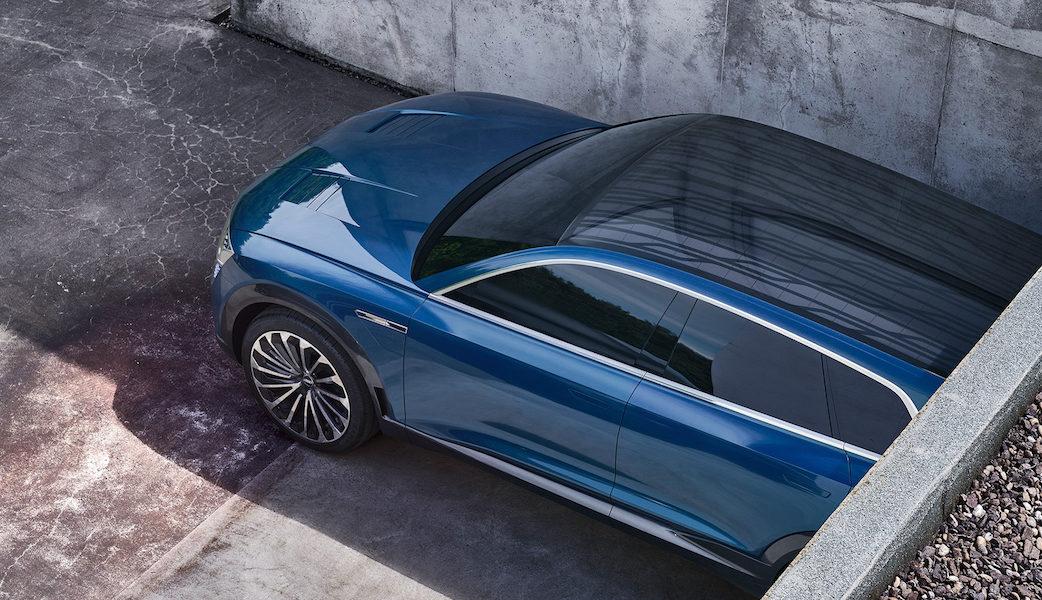 1920x1080_170912_Audi_etron_quattro_concept_Top_Shot