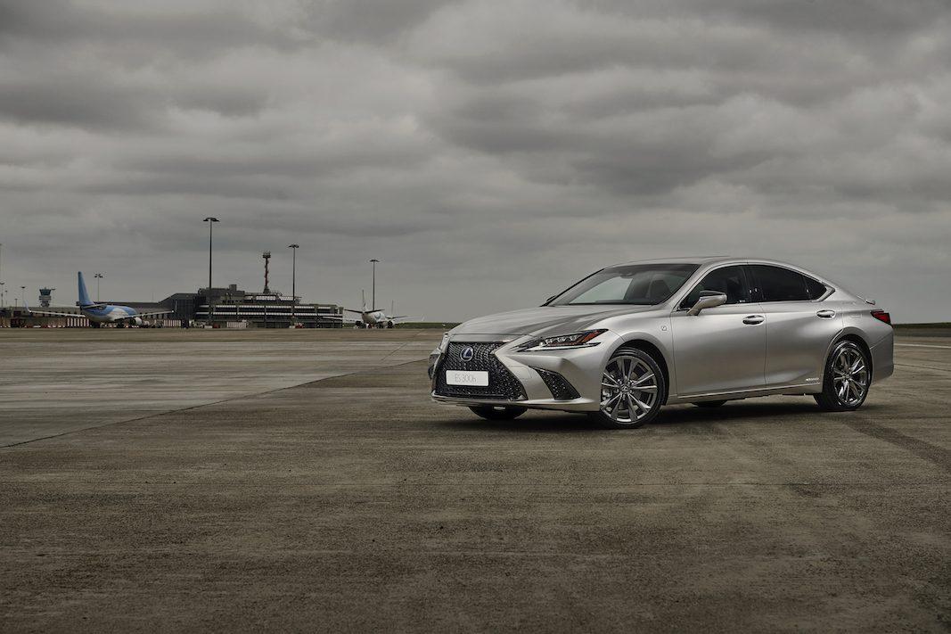 Lexus trae a España la séptima generación de la berlina ES, con la versión híbrida 300h