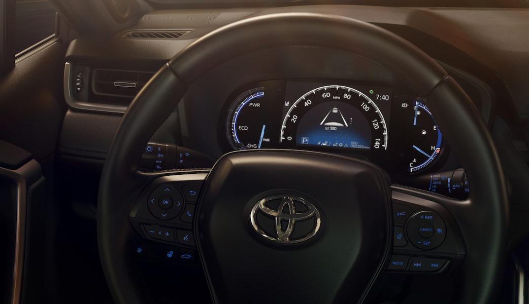 2019_Toyota_RAV4_17_0F3180CEAF615C42632963779DC9CF8111B9F201