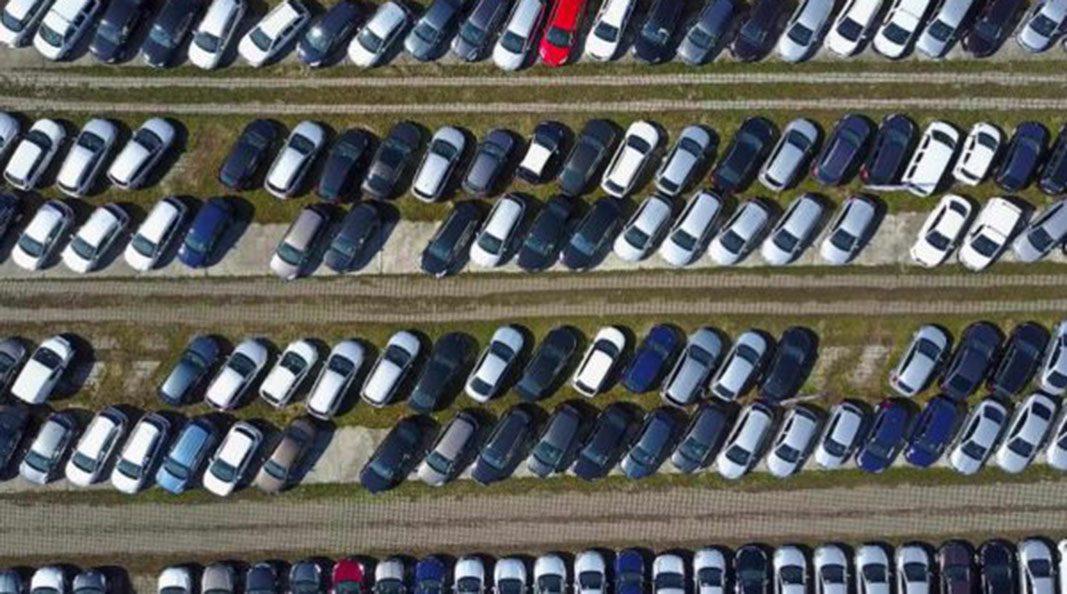 Las emisiones de los coches nuevos vendidos crecen por primera vez