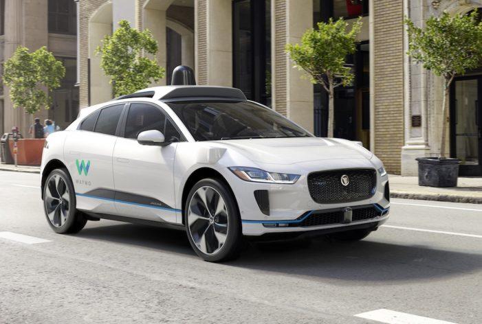 Jaguar y Waymo anuncian acuerdo sobre 20.000 eléctricos I-PACE para 'carsharing' autónomo