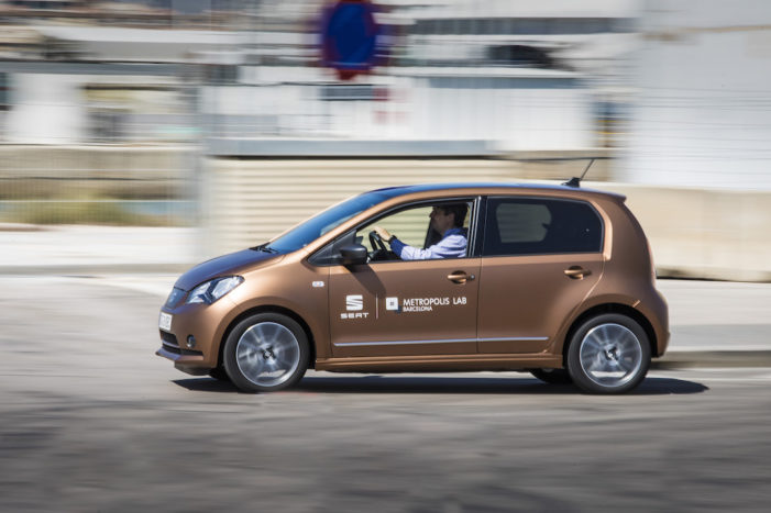 SEAT pone en marcha una prueba piloto de 'carsharing' con prototipos eléctricos del modelo Mii