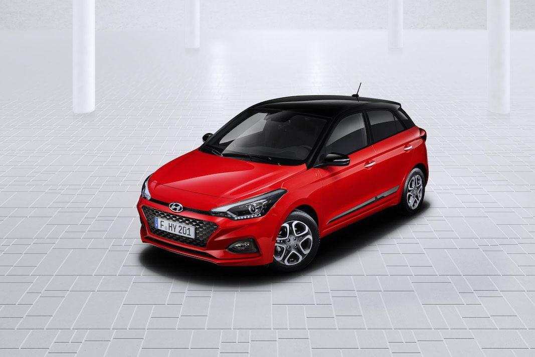Hyundai moderniza el utilitario i20 en sus tres variaciones