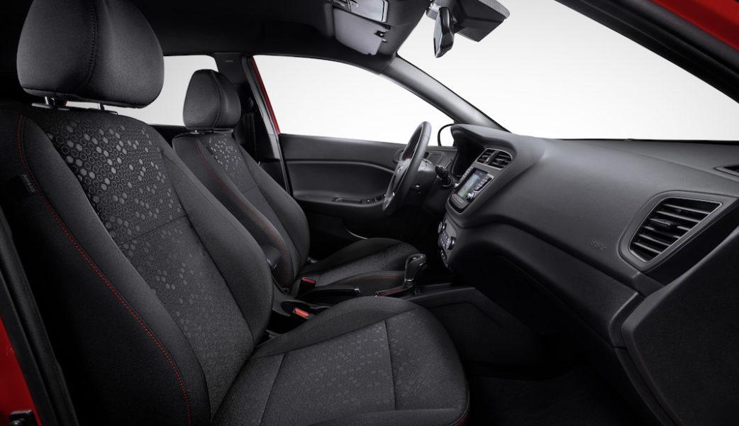 hyundai-i20-facelift-06-interior