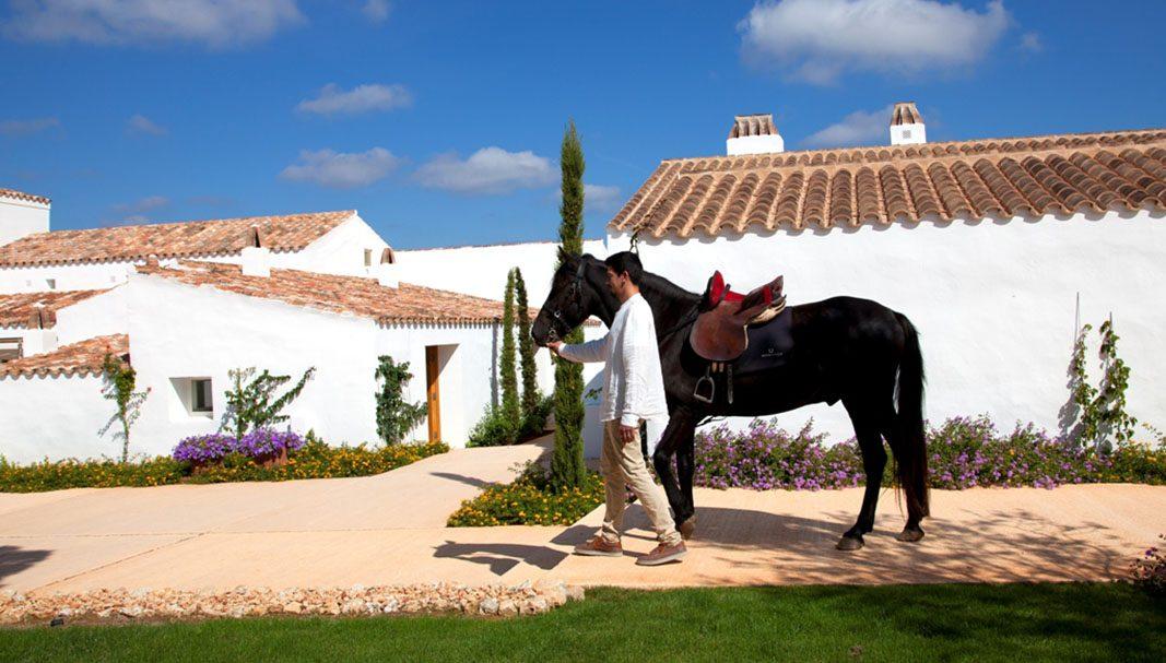 Torralbenc, bandera de la tranquilidad y del lujo tranquilo de Menorca