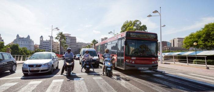 El transporte público cifra en 500 millones en impuestos de hidrocarburos