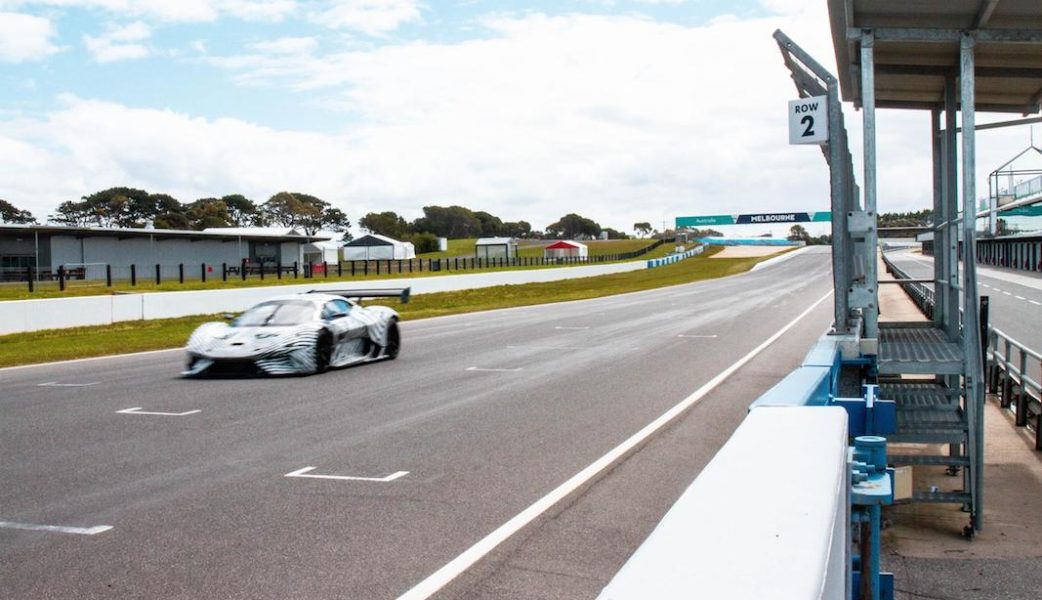 BRABHAM_BT62 on Circuit