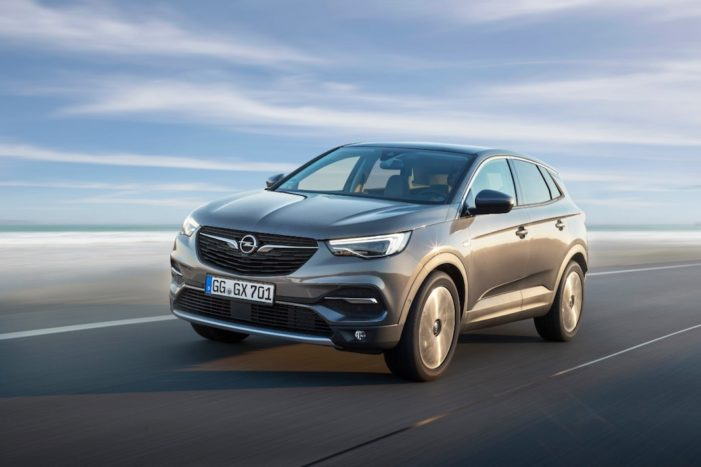 El Opel Grandland X recibe un nuevo motor diésel 1.5 de 130 caballos