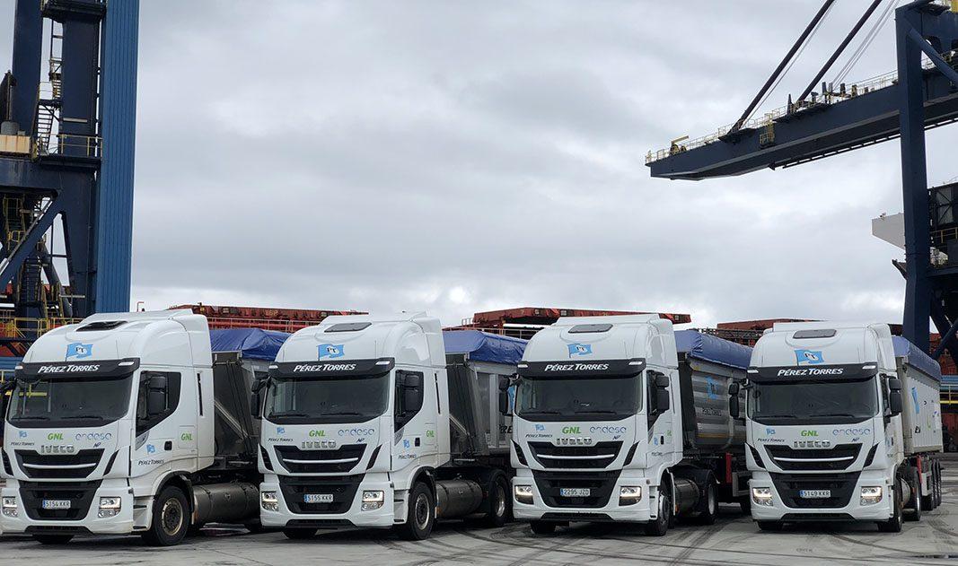Endesa incorpora a su flota los primeros tres camiones de GNL