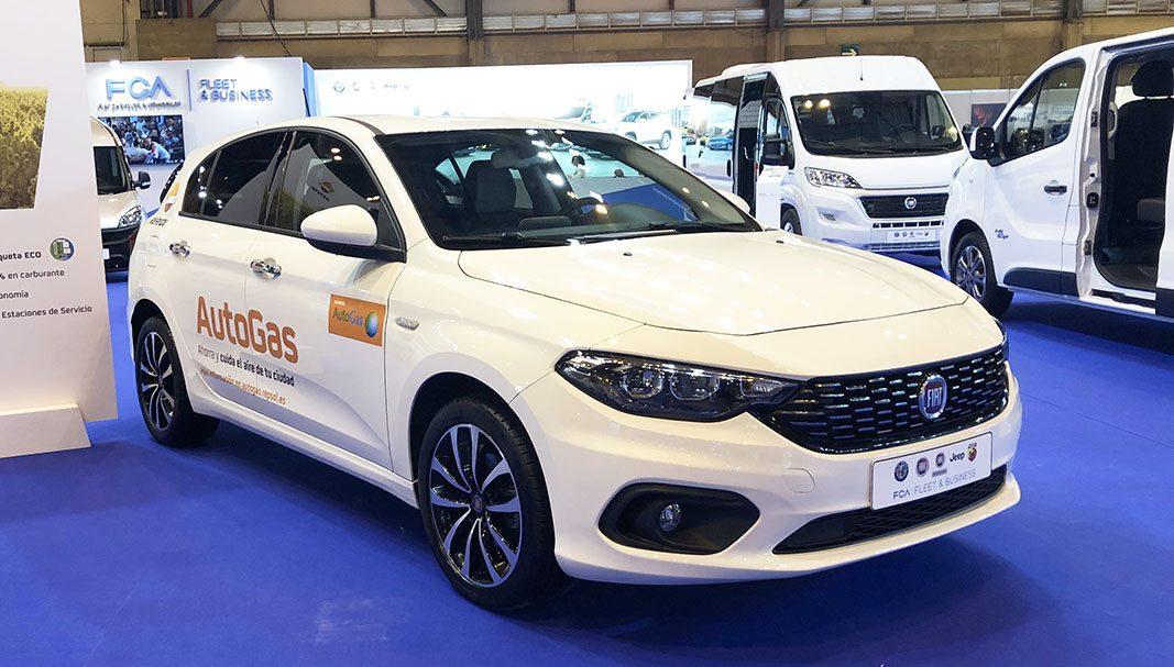 Fiat entra en el negocio VTC con mil coches de gas para Uber y Cabify