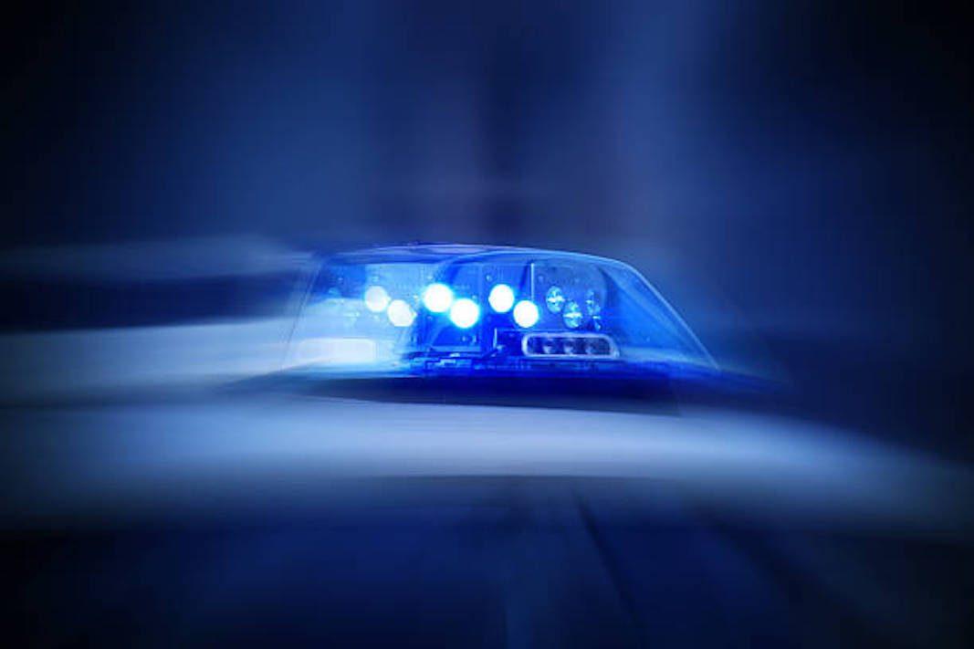 Luces azules para vehículos de emergencia y matriculas azules para taxi y VTC